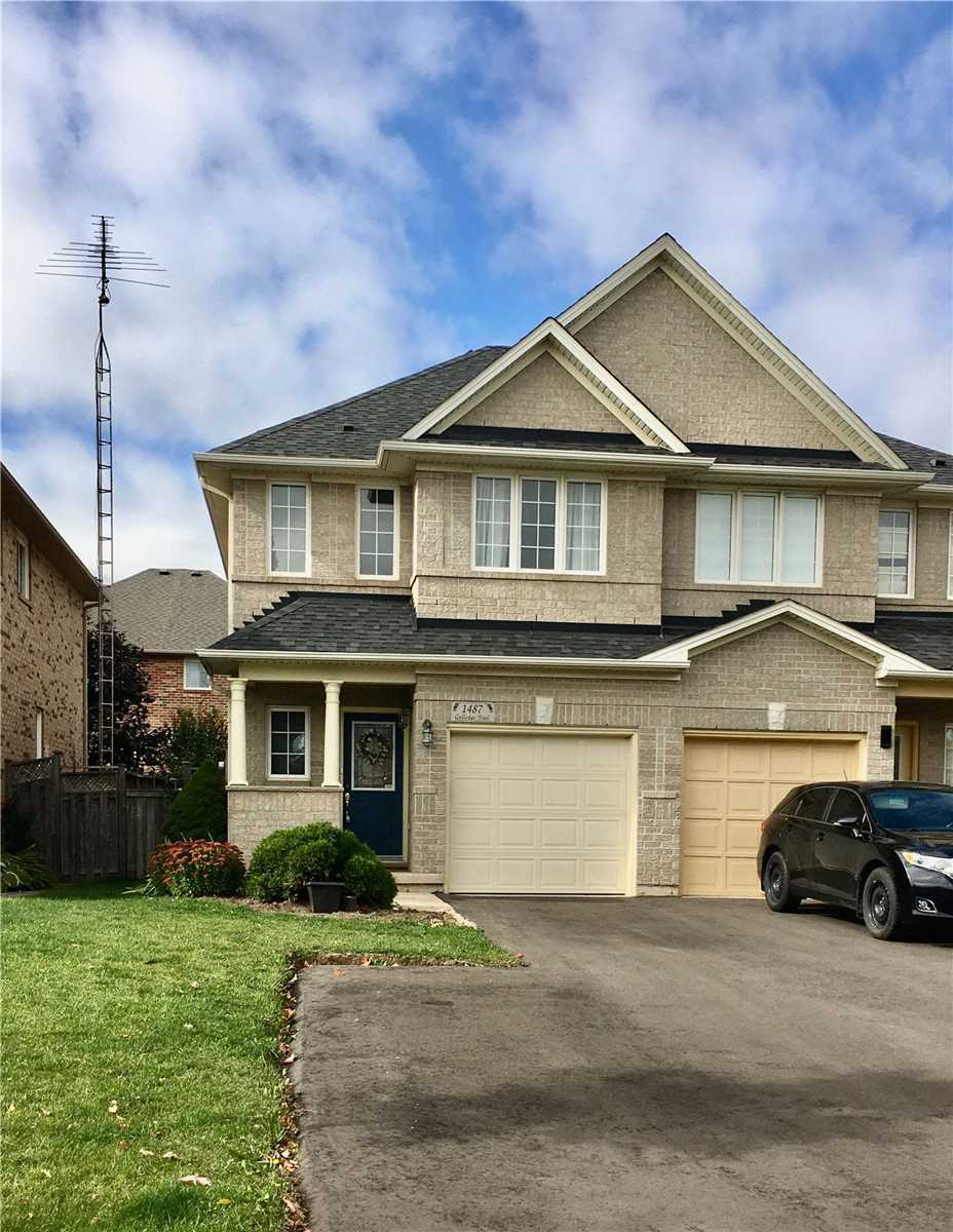 For Rent: 1487 Gulledge Trail, Oakville, ON | 3 Bed, 3 Bath Townhouse for $2800.00. See 22 photos!