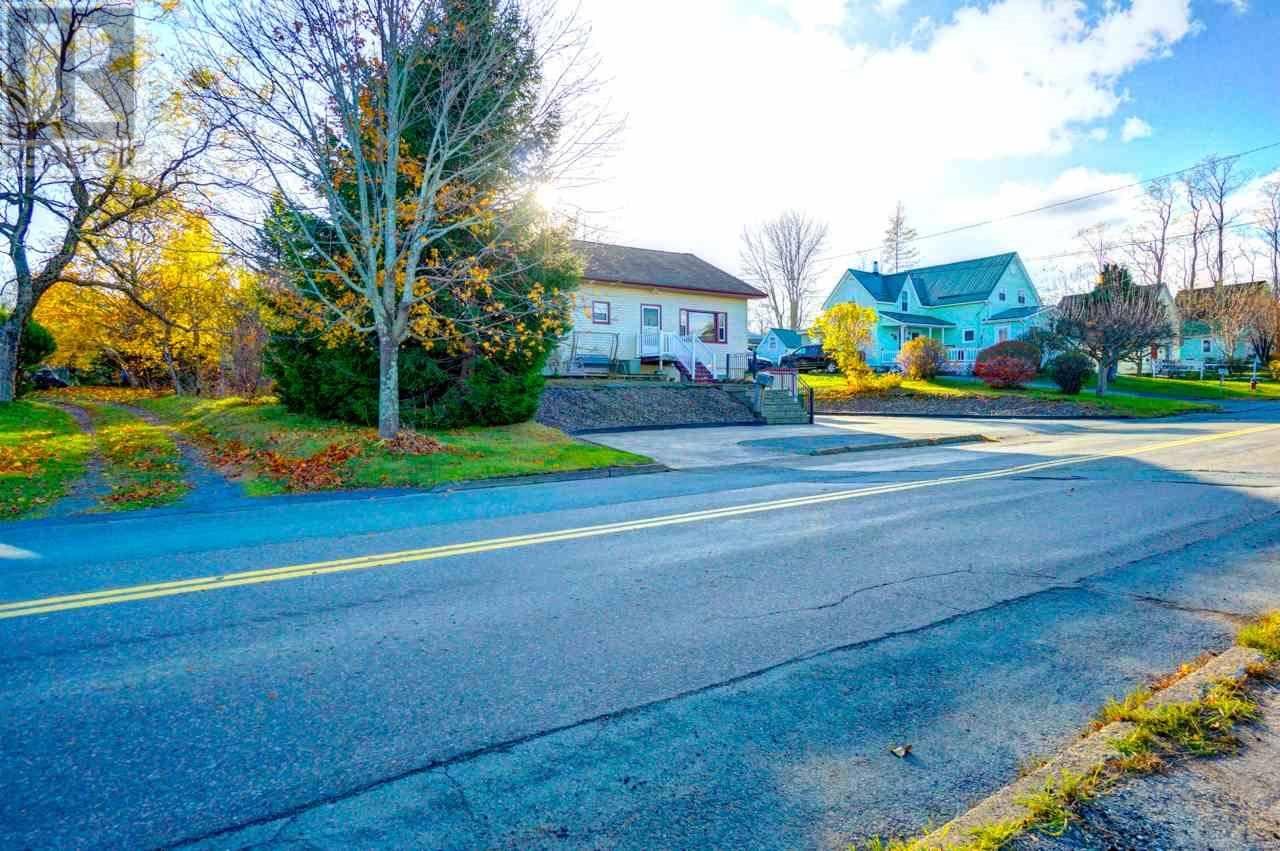 House for sale at 149 St. Phillips St Bridgewater Nova Scotia - MLS: 201925723