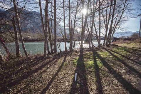 Home for sale at 1492 Pemberton Ave Squamish British Columbia - MLS: R2438755