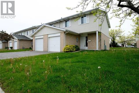 Townhouse for sale at 11837 Dove Ln Unit 15 Tecumseh Ontario - MLS: 19019393