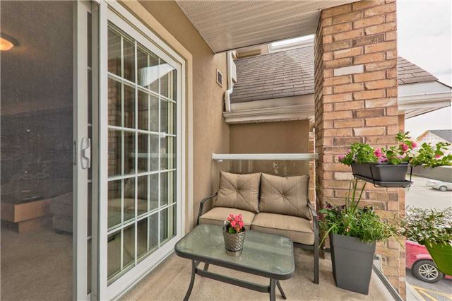 For Sale: 15 - 137 Sydenham Wells , Barrie, ON | 1 Bed, 1 Bath Condo for $269,900. See 19 photos!