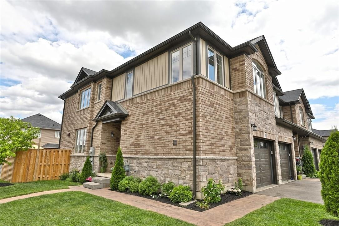 Townhouse for sale at 247 Festival Wy Unit 15 Binbrook Ontario - MLS: H4081319