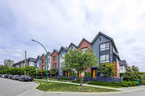 Townhouse for sale at 6868 Burlington Ave Unit 15 Burnaby British Columbia - MLS: R2381005