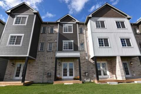 Townhouse for rent at 15 Andean Ln Barrie Ontario - MLS: S4964441