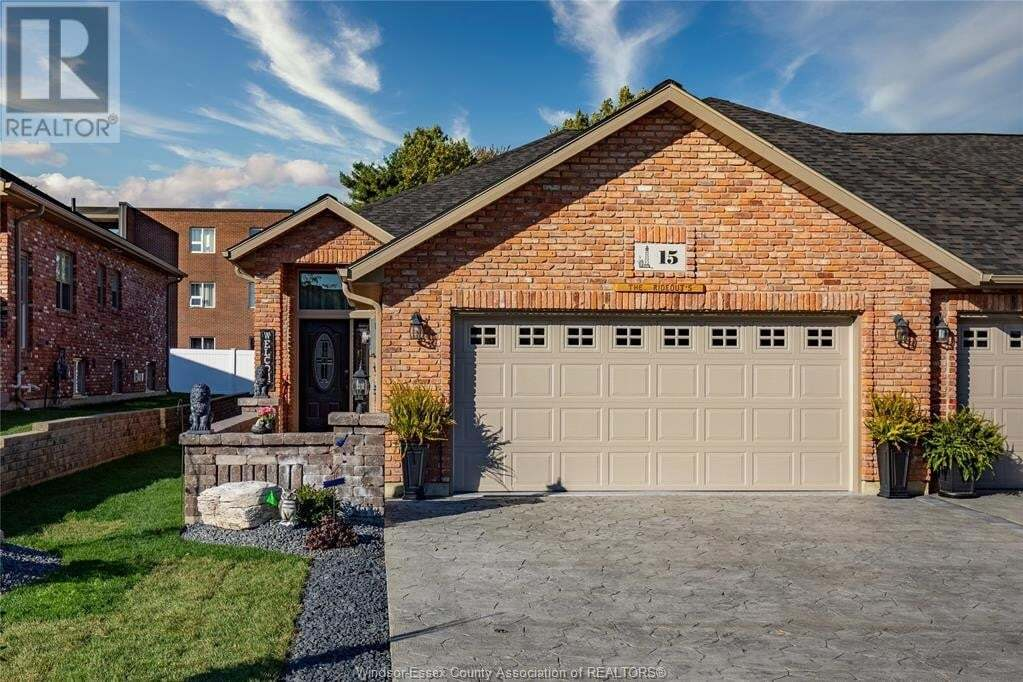 Townhouse for sale at 15 Babkirk Ln Leamington Ontario - MLS: 20014161