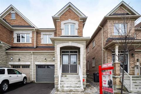Townhouse for sale at 15 Baffin Cres Brampton Ontario - MLS: W4717151