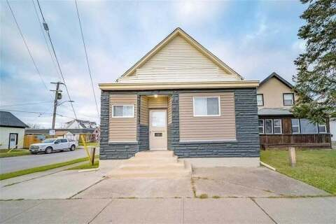 Townhouse for sale at 15 Broadway Ave Welland Ontario - MLS: X4772554