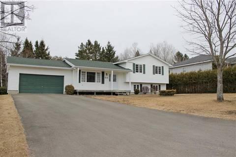 House for sale at 15 Brookview Dr Hampton New Brunswick - MLS: NB021857