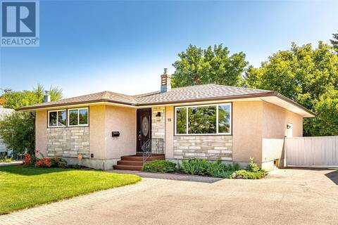 House for sale at 15 Brown Cres Saskatoon Saskatchewan - MLS: SK779798