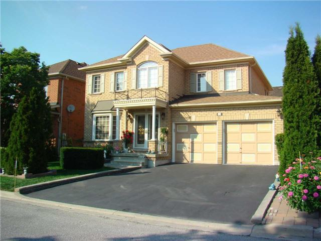 House for sale at 15 Bunchgrass Place Brampton Ontario - MLS: W4212950