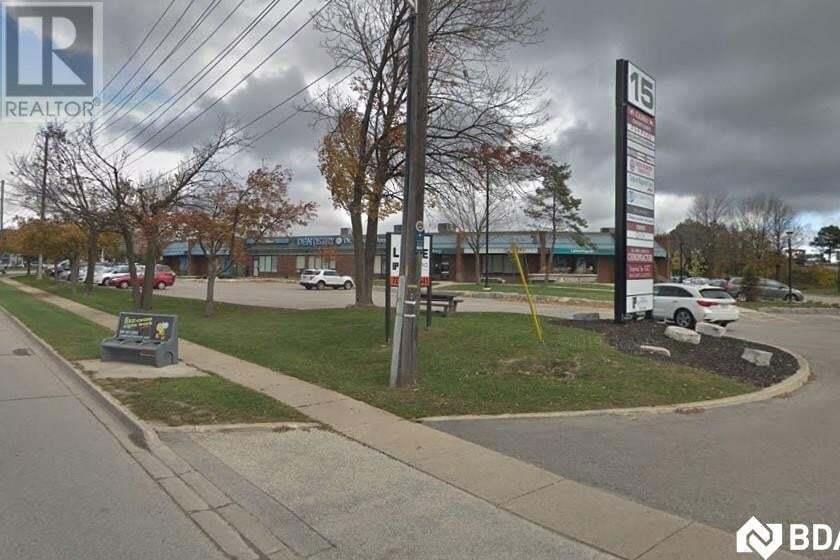 15 Cedar Pointe Drive, Barrie | Image 1