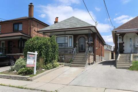 House for sale at 15 Chamberlain Ave Toronto Ontario - MLS: W4843401