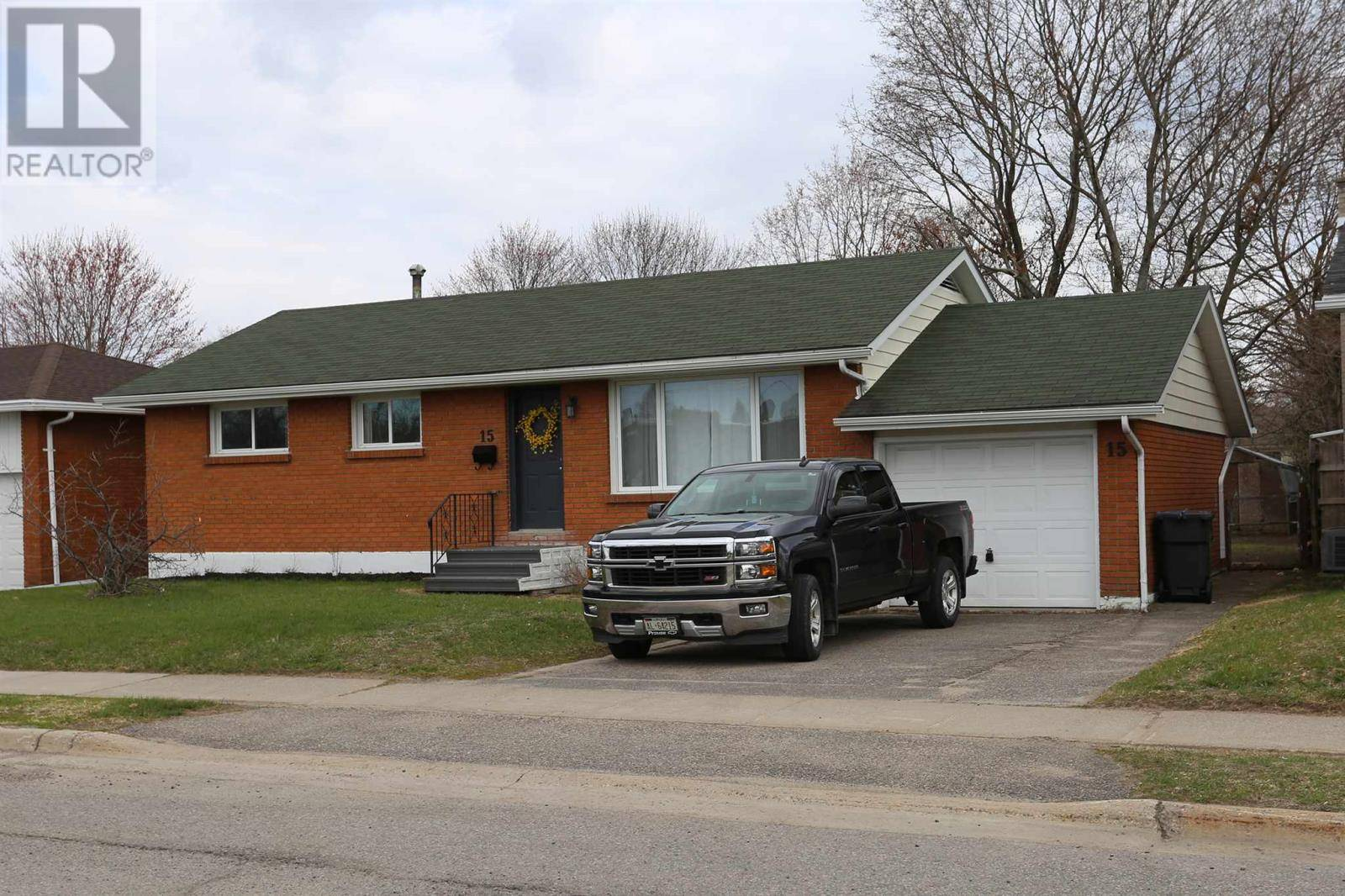 House for sale at 15 Chambers Ave Sault Ste. Marie Ontario - MLS: SM127642