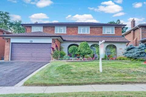 House for sale at 15 Creekwood Dr Toronto Ontario - MLS: E4928076