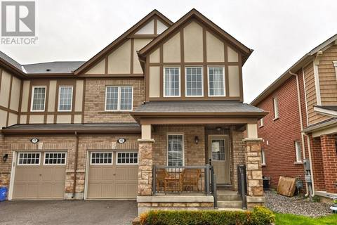 Townhouse for rent at 15 Dredge Ct Milton Ontario - MLS: 30714984