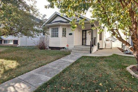 House for sale at 15 Erin Li SE Calgary Alberta - MLS: A1036964