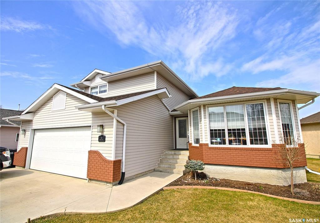 For Sale: 15 Garry Place, Yorkton, SK | 4 Bed, 4 Bath House for $489,000. See 41 photos!