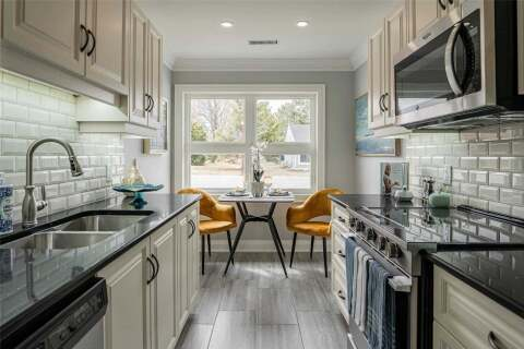 Home for sale at 15 Gates Ln Hamilton Ontario - MLS: X4871530