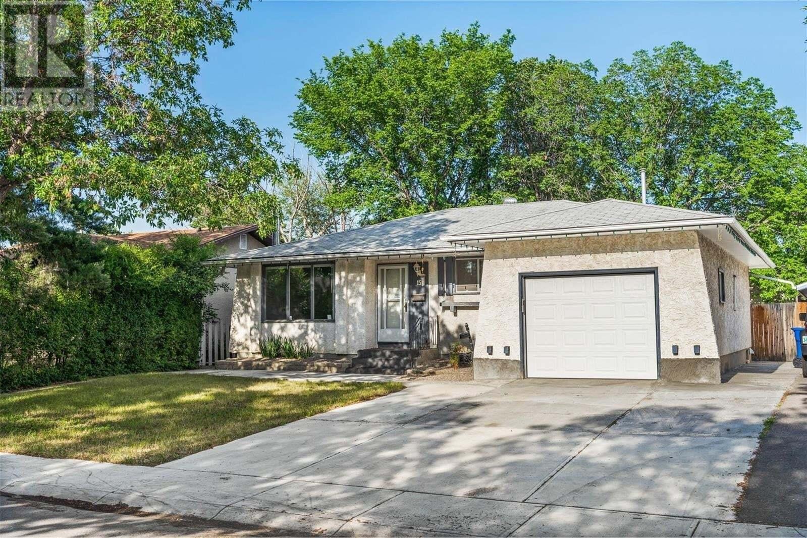 House for sale at 15 Kangles St Regina Saskatchewan - MLS: SK814922