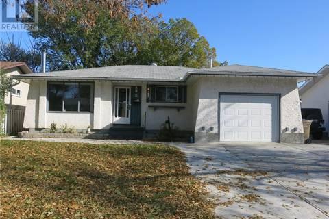 House for sale at 15 Kangles St Regina Saskatchewan - MLS: SK789100