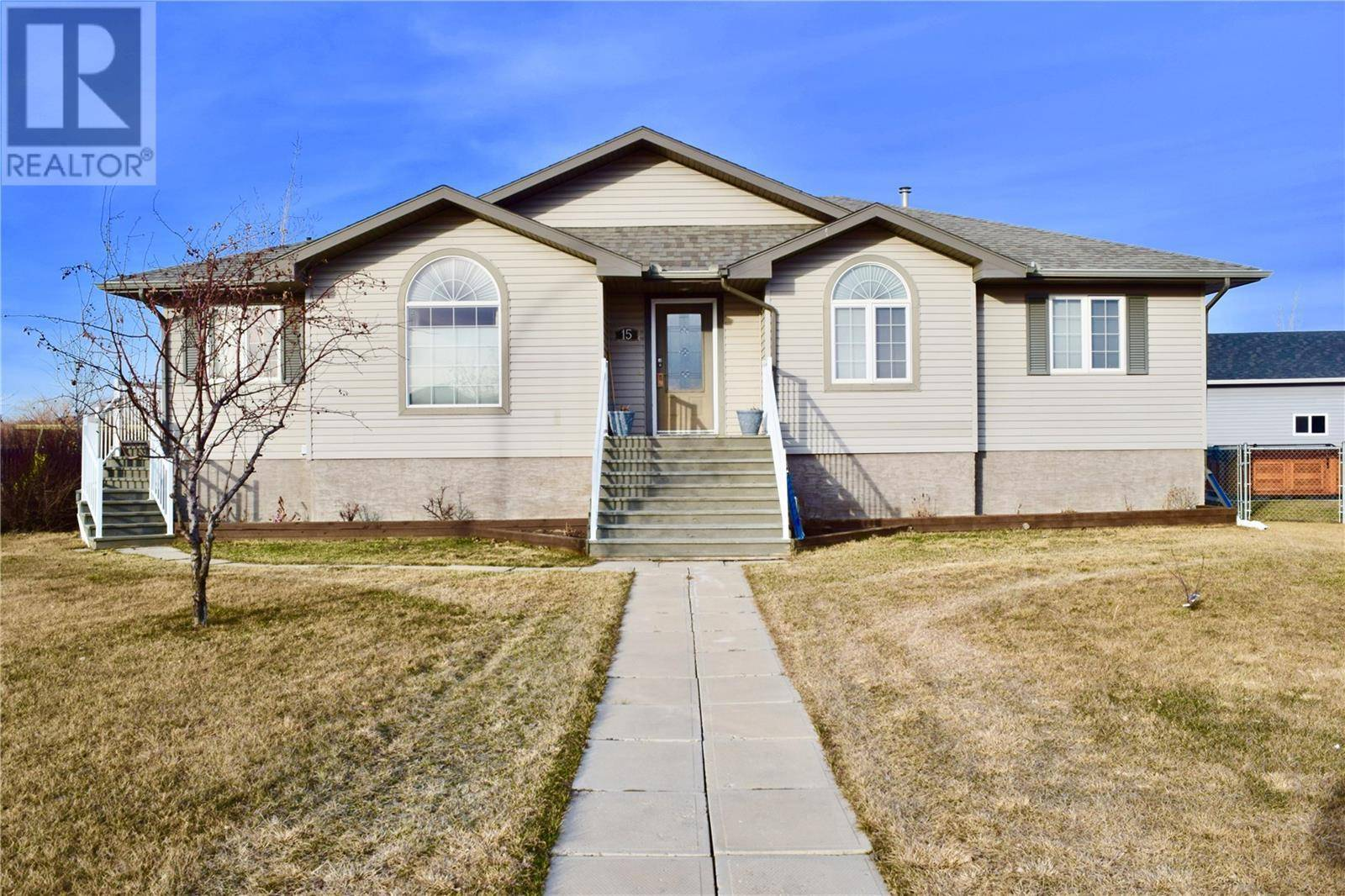 House for sale at 15 Manor By Carlyle Saskatchewan - MLS: SK765902