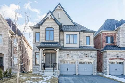 House for sale at 15 Mckee Ct Aurora Ontario - MLS: N4401027