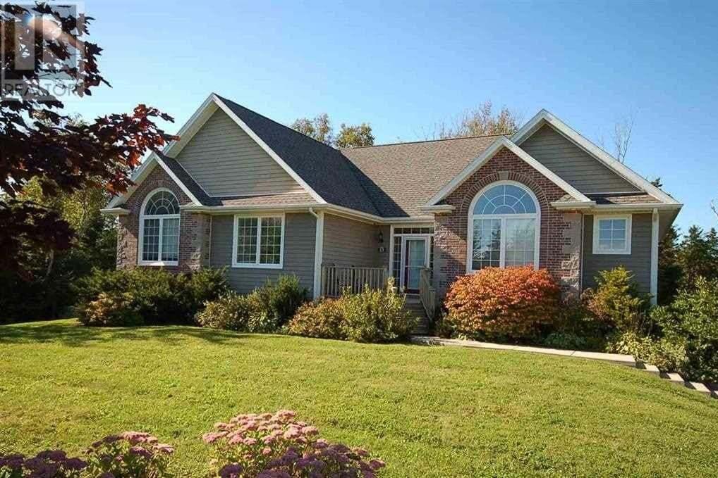 House for sale at 15 Park Ln Stratford Prince Edward Island - MLS: 202002772