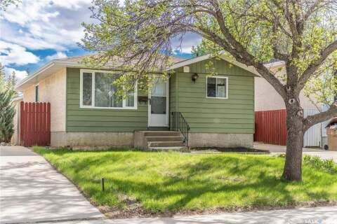 House for sale at 15 Paynter Cres Regina Saskatchewan - MLS: SK798742