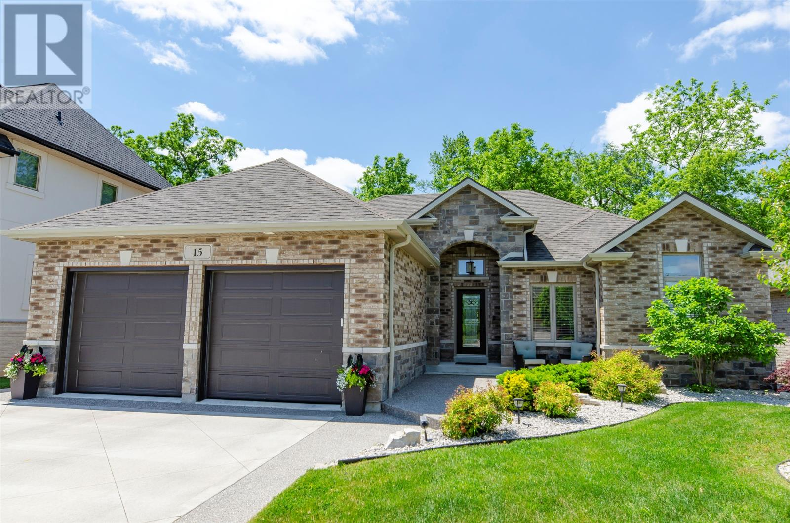 For Sale: 15 Primrose , Kingsville, ON   4 Bed, 3 Bath House for $619,900. See 28 photos!