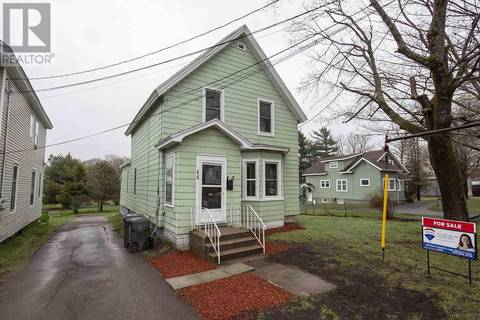 House for sale at 15 Queen St Amherst Nova Scotia - MLS: 201911523