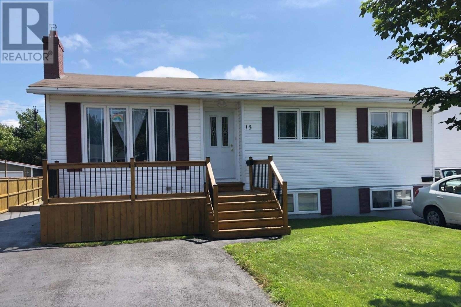 House for sale at 15 Smallwood Dr Mount Pearl Newfoundland - MLS: 1218545