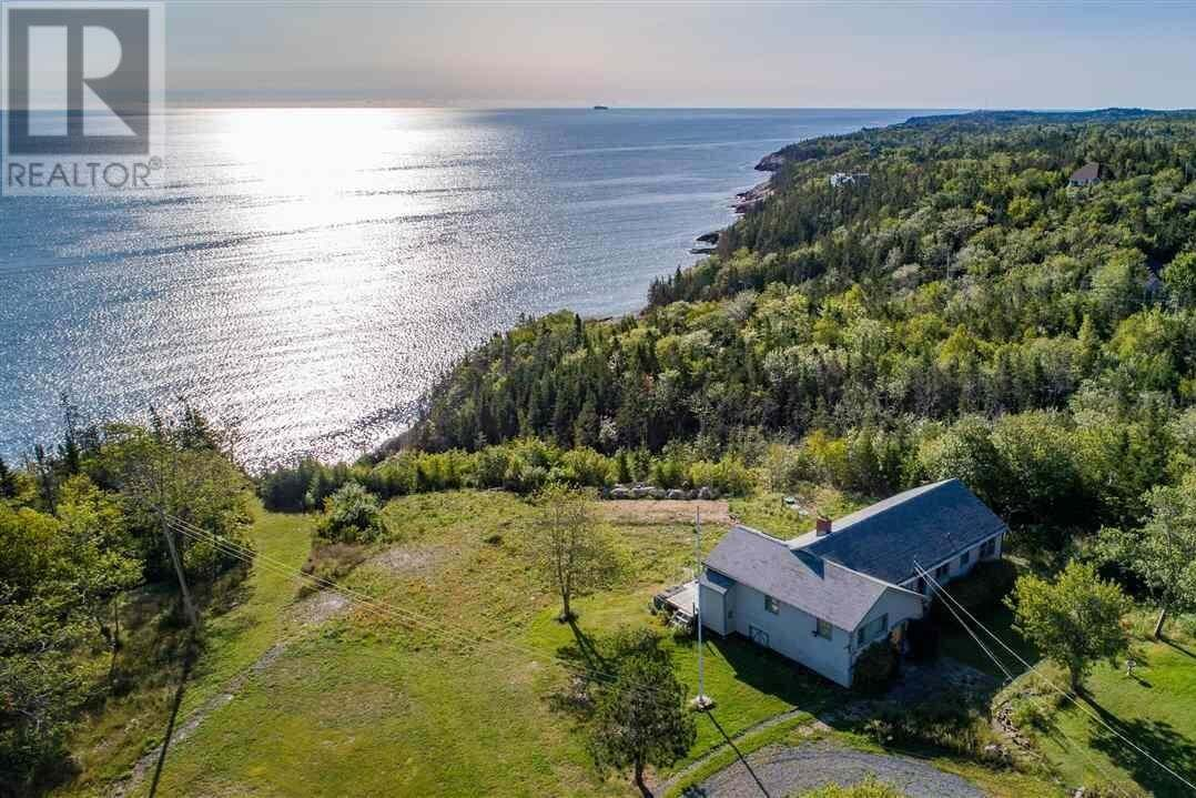 House for sale at 15 Taylor Dr Herring Cove Nova Scotia - MLS: 202018786