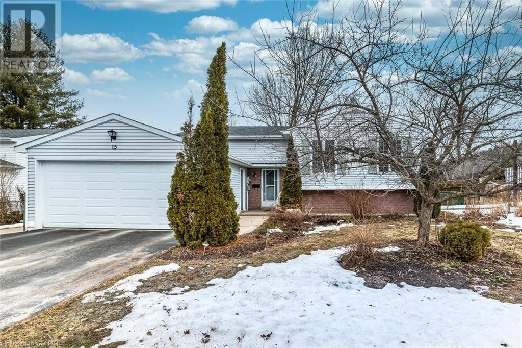 House for sale at 15 Therrien Ct Penetanguishene Ontario - MLS: 249299