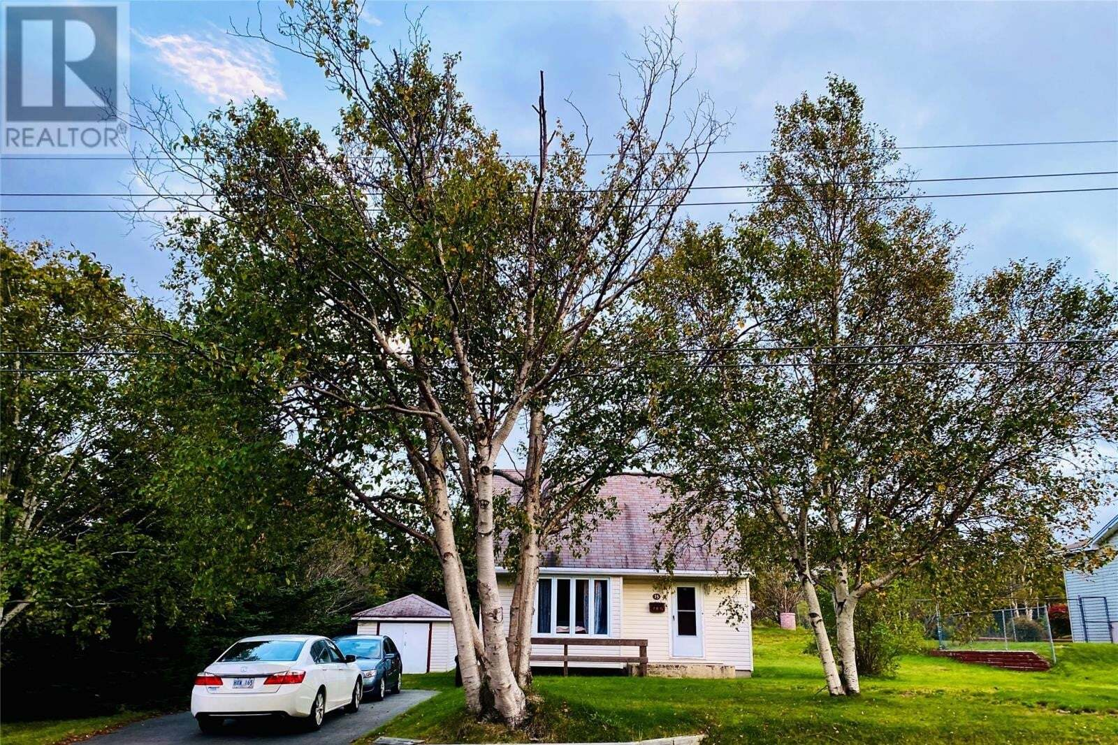 House for sale at 15 Waterford Ht South St. John's Newfoundland - MLS: 1222442
