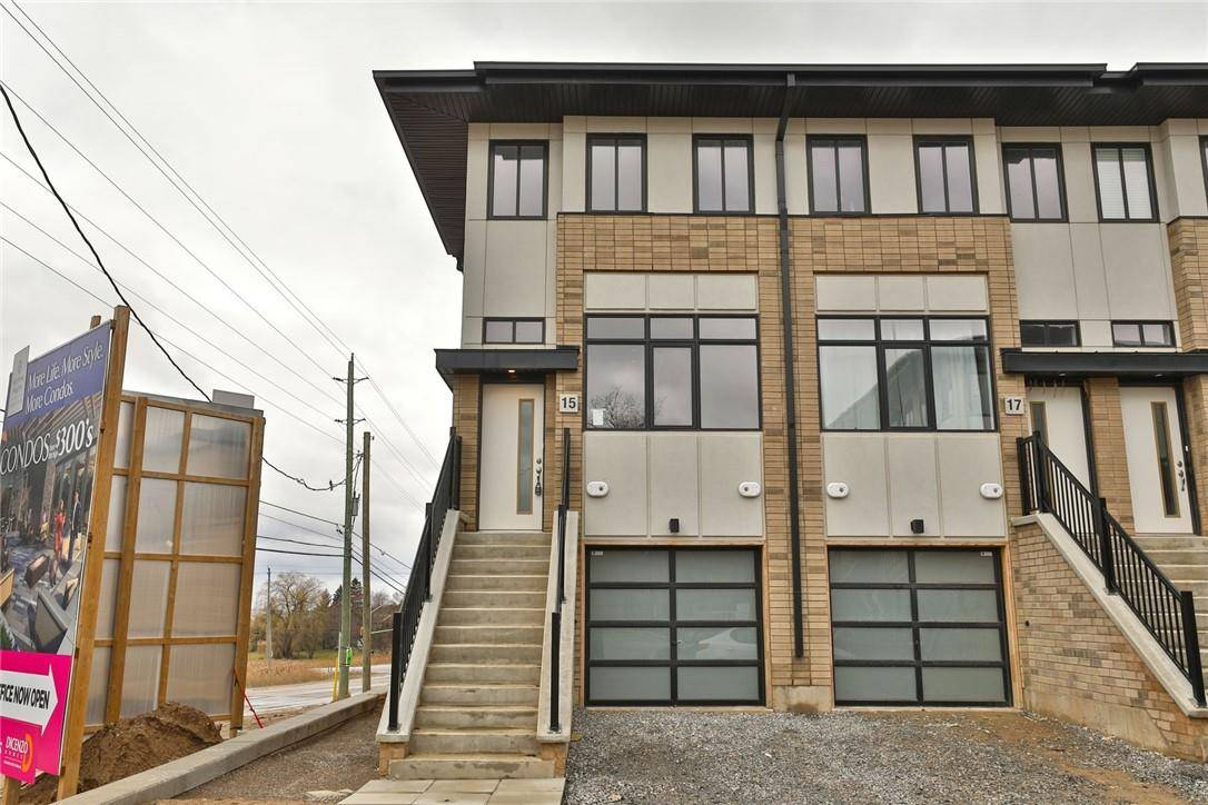 Townhouse for sale at 15 Wilings Ln Ancaster Ontario - MLS: H4075982