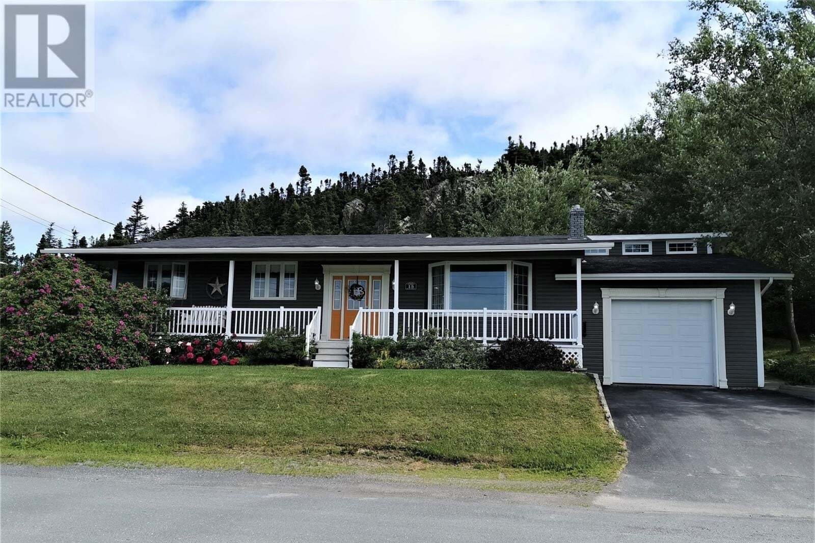 House for sale at 15 Woods St Twillingate Newfoundland - MLS: 1217447