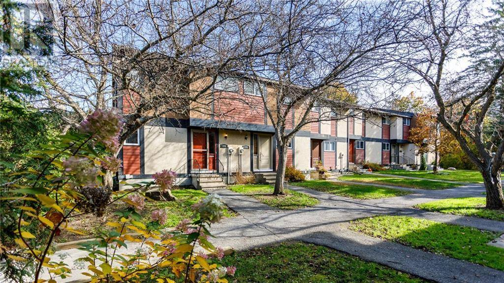 Townhouse for sale at 150 Mcclintock Wy Kanata Ontario - MLS: 1177371