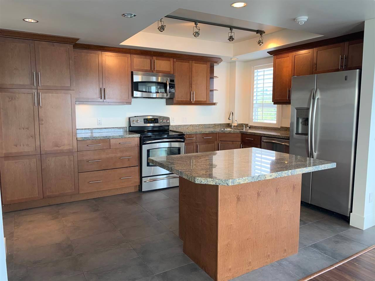 Apartment for rent at 2120 Argyle Ave Unit 1502 West Vancouver British Columbia - MLS: R2408366