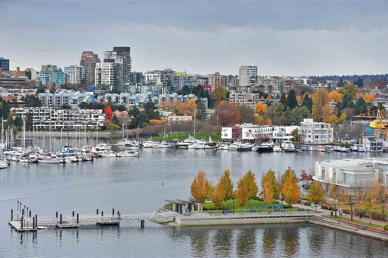 Buliding: 1383 Marinaside Crescent, Vancouver, BC