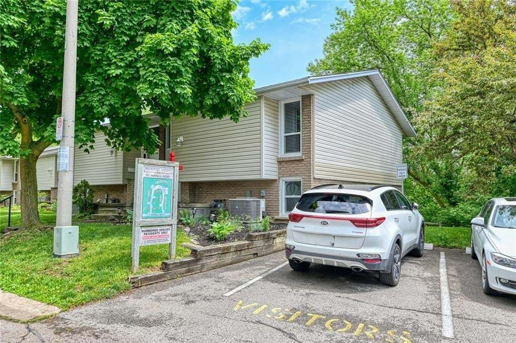 Townhouse for sale at 151 Parnell St St. Catharines Ontario - MLS: 30810046