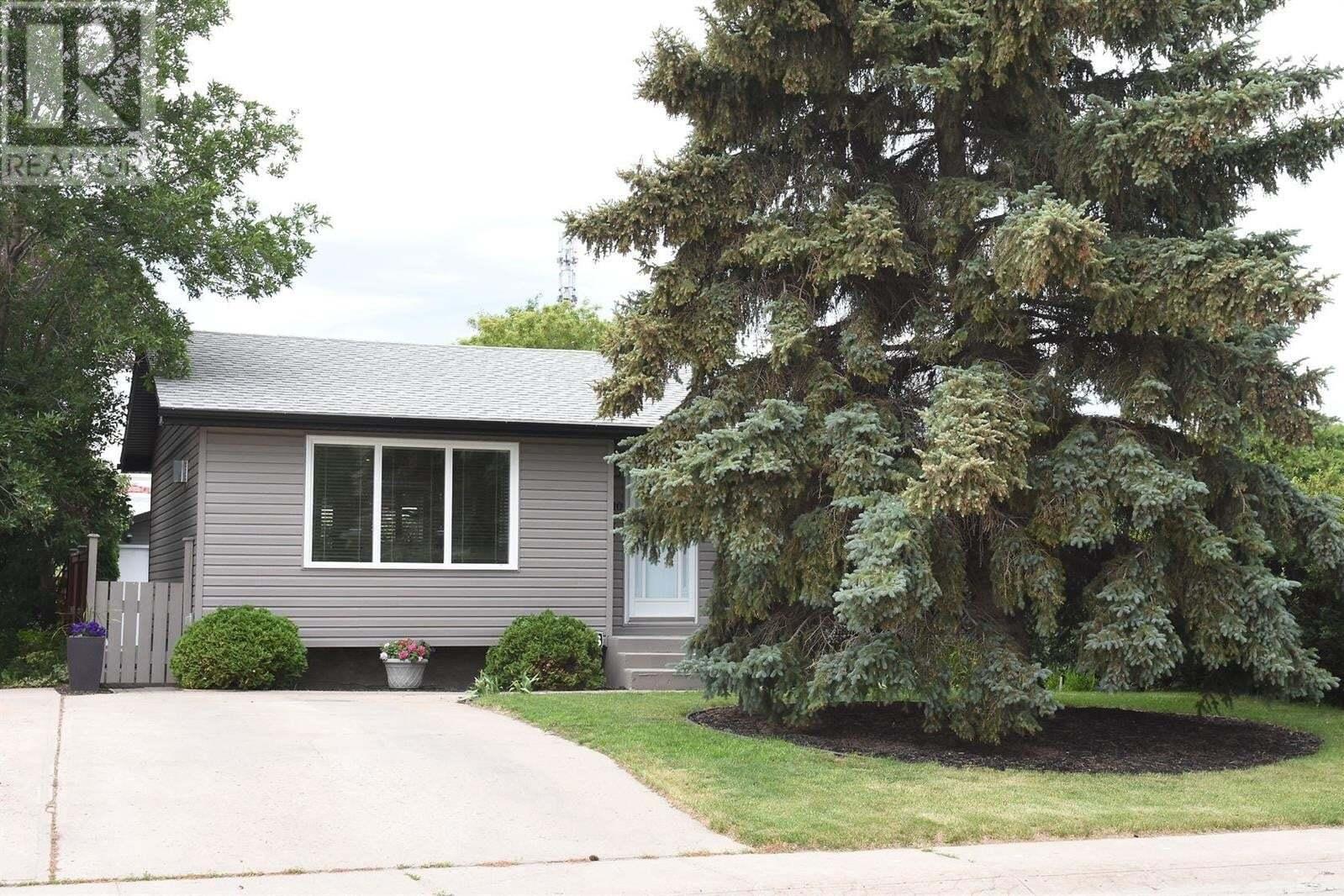 House for sale at 1510 Grosvenor St Regina Saskatchewan - MLS: SK815159