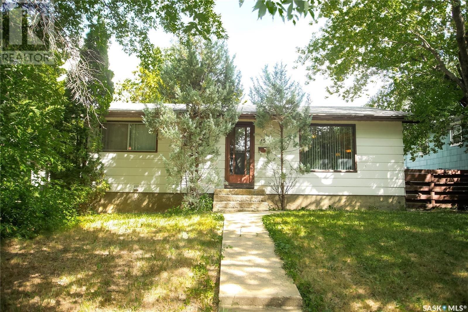 House for sale at 1510 H Ave N Saskatoon Saskatchewan - MLS: SK833794