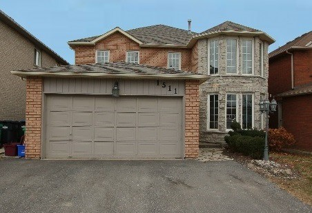 For Sale: 1511 Astrella Crescent, Mississauga, ON   4 Bed, 5 Bath House for $1,158,000. See 20 photos!
