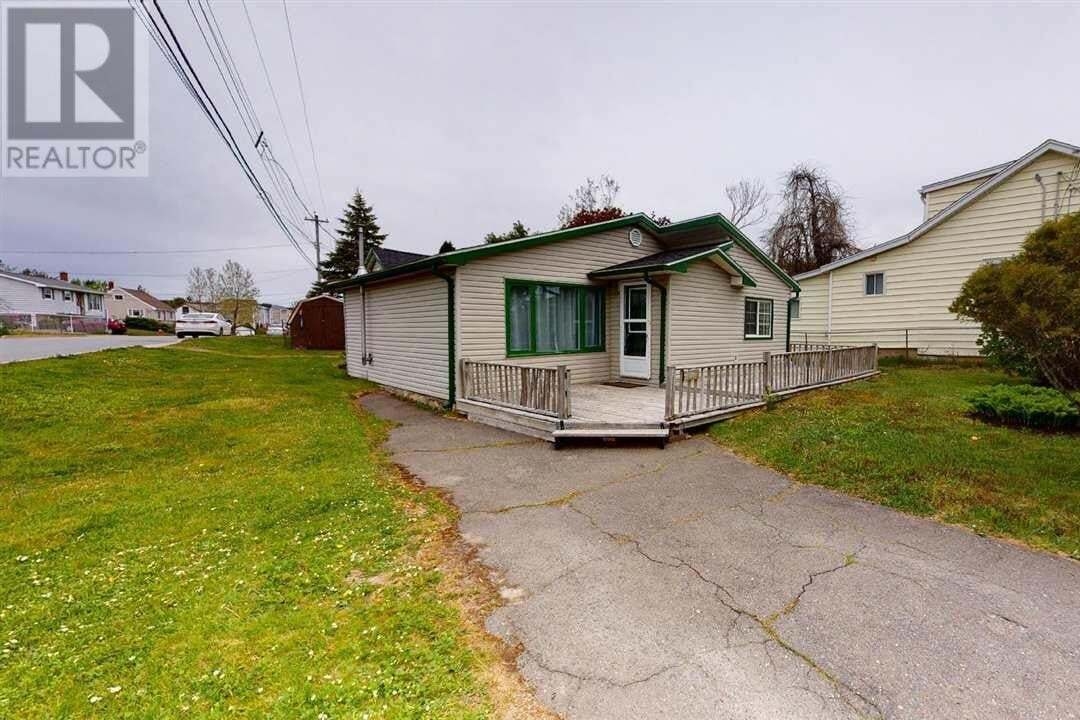 House for sale at 1517 St Margarets Bay Rd Lakeside Nova Scotia - MLS: 202009360