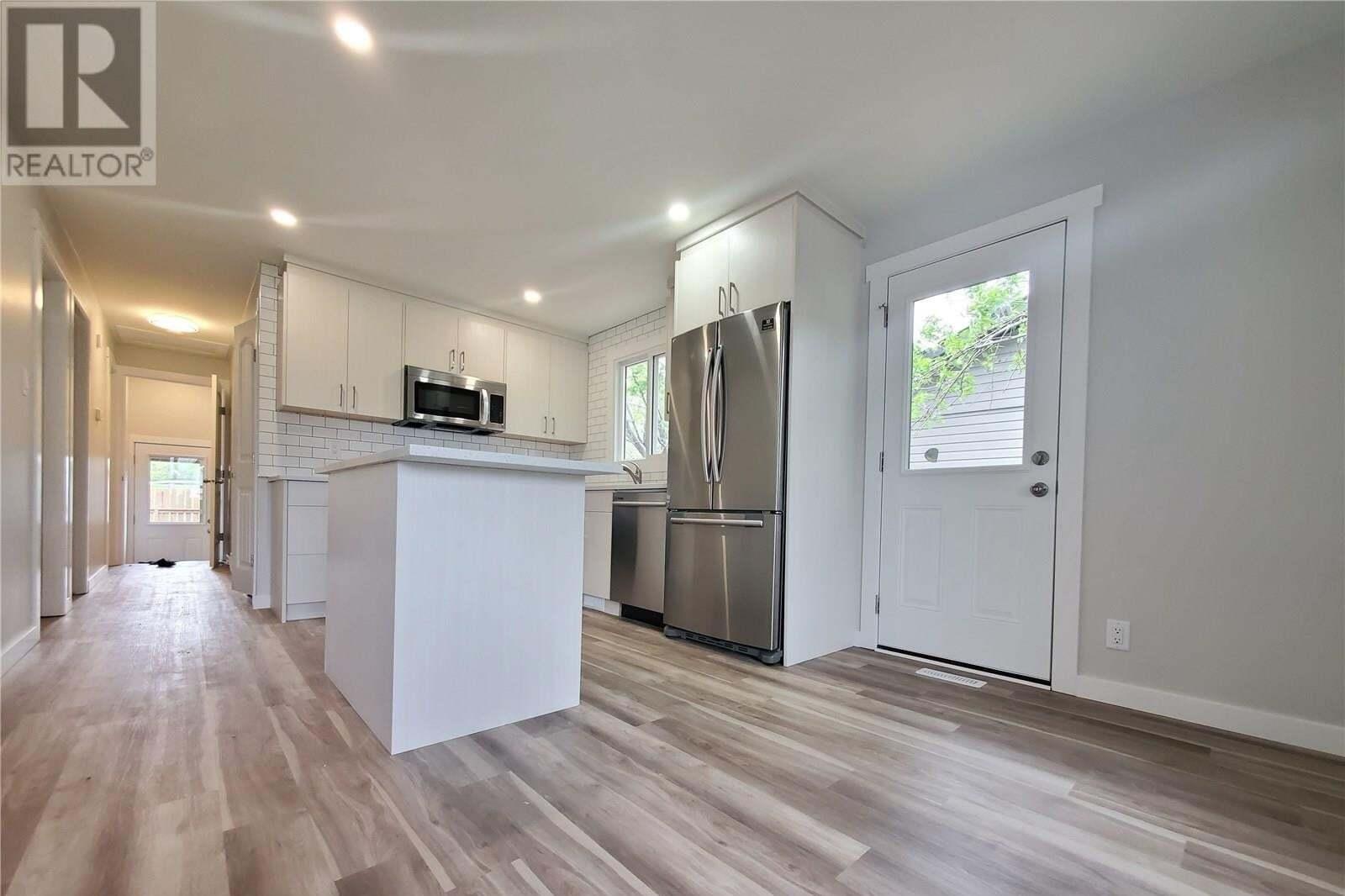 House for sale at 1518 Grosvenor St Regina Saskatchewan - MLS: SK809747
