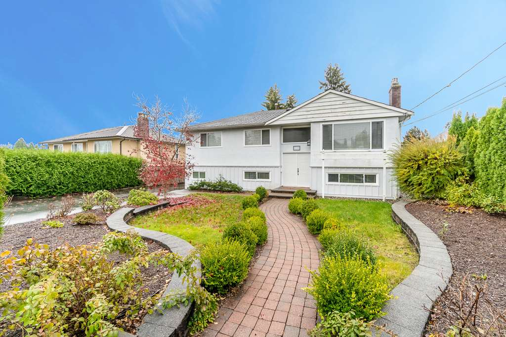 For Sale: 1518 Grover Avenue, Coquitlam, BC | 5 Bed, 2 Bath House for $1,399,000. See 20 photos!