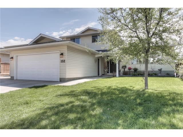 Sold: 152 Wood Oak Way Southwest, Calgary, AB