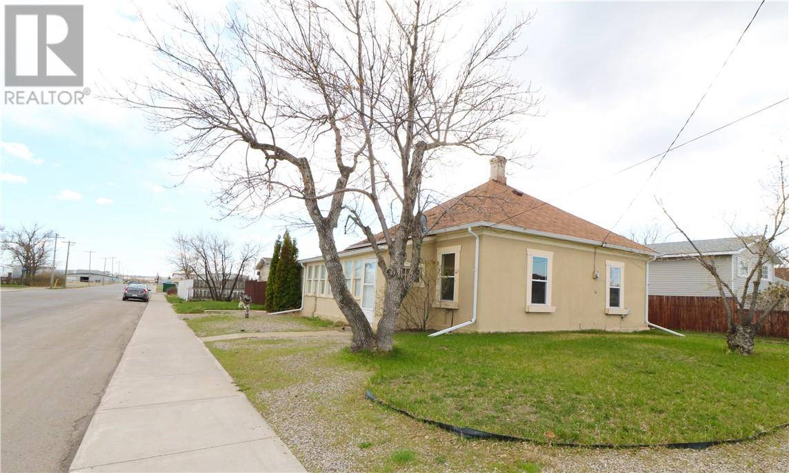 House for sale at 1521 3 Ave Fort Macleod Alberta - MLS: ld0190929
