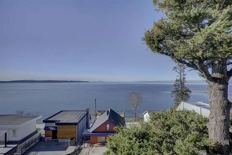 House for sale at 15290 Victoria Ave White Rock British Columbia - MLS: R2351872