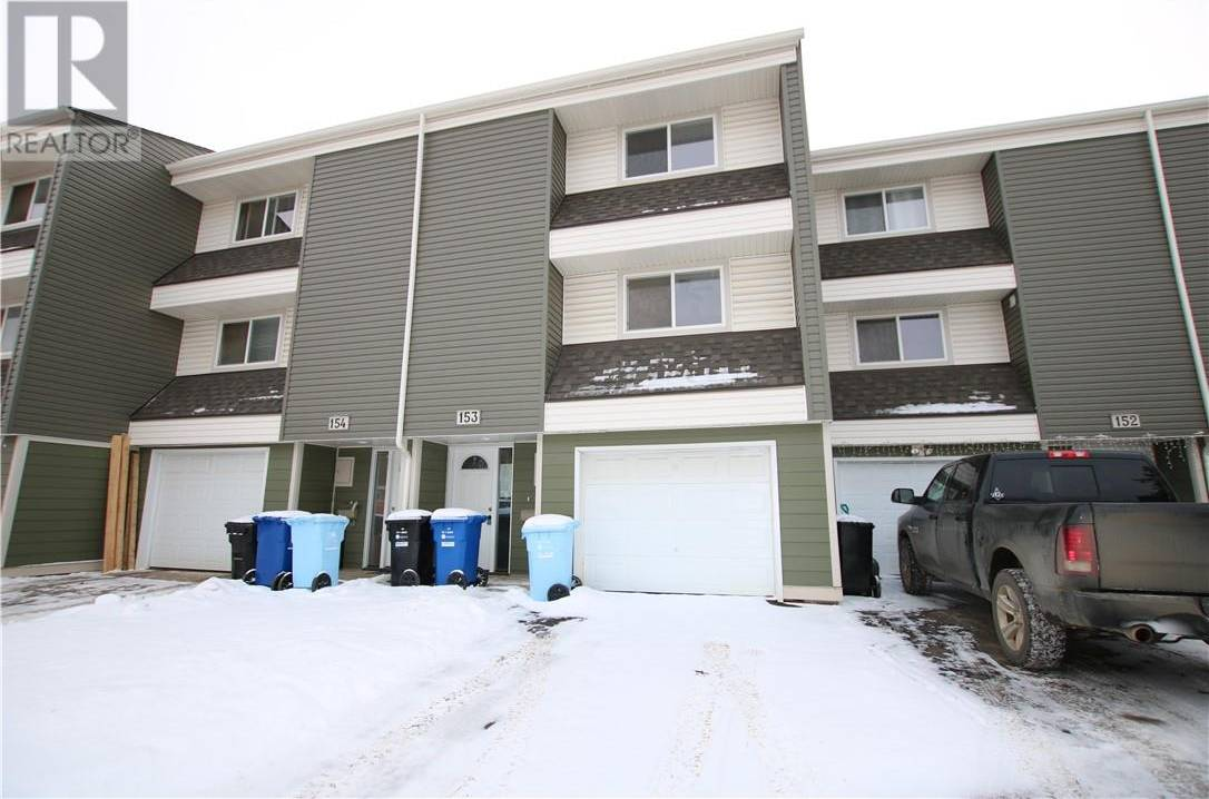 Townhouse for sale at 400 Silin Forest Rd Unit 153 Fort Mcmurray Alberta - MLS: fm0185121